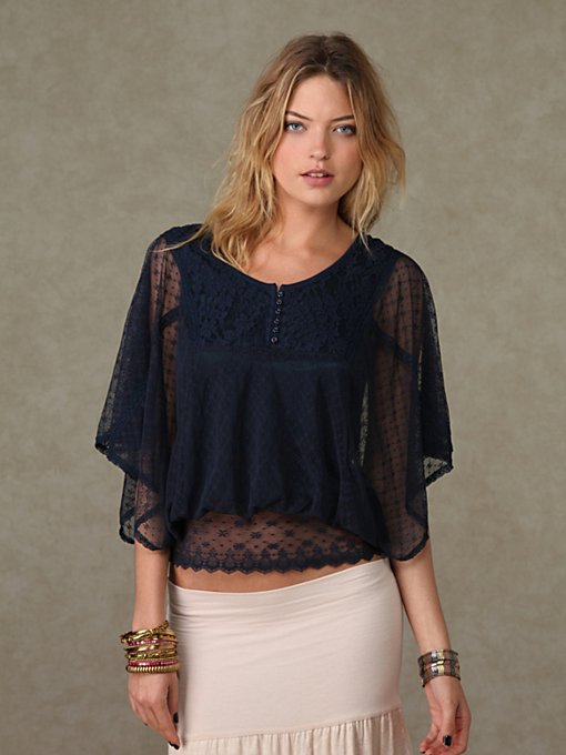 Voluminous Mesh Top