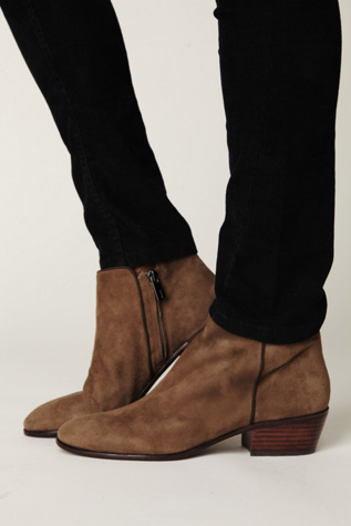 "163a9ade4ac90b I recently bought the Sam Edelman Petty boots in ""Putty"". i love these  suede boots and the color but feel very limited what i can wear with it ( especially ..."