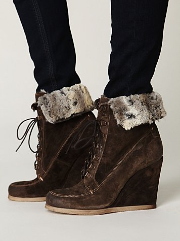 Boutique 9 Destin Wedge Boot