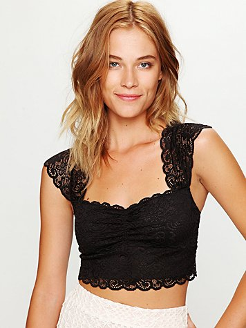 Scallop Edge Lace Crop