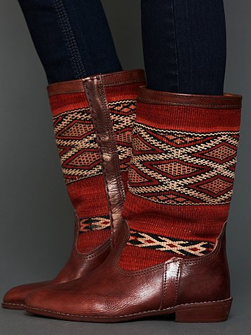 Twenty One Tonnes Moroccan Kilim Boot