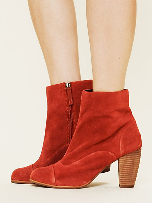 Dolce Vita Muri Cap Toe Ankle Boot in Boots