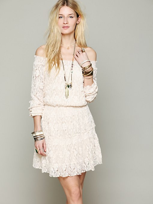 Hanshaw Off Shoulder in lace-dresses
